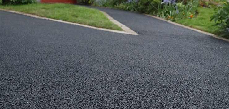 Joe S Sealcoating Offers A Wide Range Of Asphalt Driveway Repair And Maintenance Services Choose The Ones That Best Fit Your Specific Needs